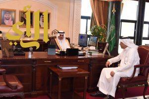 أمير تبوك يلتقي نائب المشرف العام على أعمال الحج والعمرة بالمنفذ