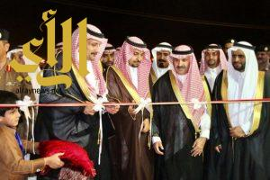 آل جعدنة وكيل المحافظة يفتتح قرية الحرجة التراثية