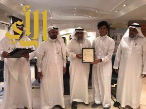 """الدكتور طلال الحربي يكرم المتميزين في مسابقة """" تحدي القرآءة العربي"""""""