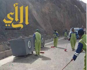 تكثيف أعمال النظافة والإصحاح البيئي في مدينة أبها والقرى التابعة