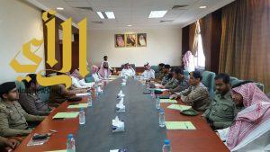 محافظ وادي الدواسر يعقد اجتماعا بقادة القطاعات الأمنية بالمحافظة