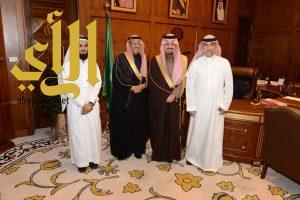أمير عسير يستقبل رئيس وأعضاء جمعية الوداد الخيرية