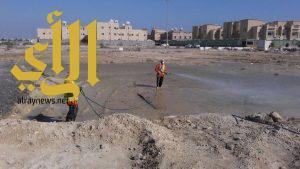 بلدية الجبيل تستنفر فرق المكافحة لرش تجمعات الأمطار