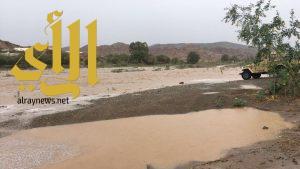 شاهد امطار الخير والبركه تهطل على مركز شواص شمال عسير
