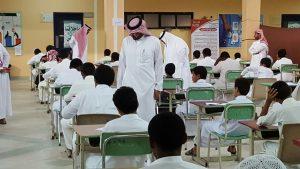 مدير تعليم ألمع والمساعد يتابعان سير الاختبارات في عدد من المدارس