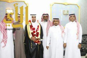 """طارق العر يحتفل بزواج أخيه """" علي """""""