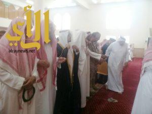 المئات يشيعون جنازة  القحطاني يتقدمهم ابن دلبوح  في أحد رفيدة