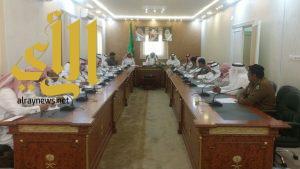 محافظ المندق يرأس اجتماع لجنة فعاليات صيف ٣٨