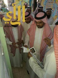 وكيل وزارة التعليم الجابري يكرم أبناء الجنود المرابطين بتعليم جازان