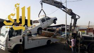 أمانة عسير تزيل 67 سيارة تالفة من صناعية أبها