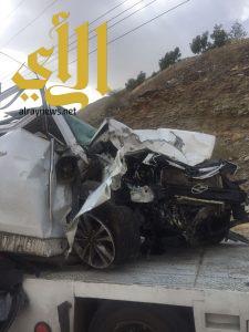 وفاة شخص وإصابة آخرين بحادث سير على طريق مربه