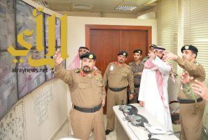 نائب أمير منطقة مكة المكرمة يتفقد مركز الخدمات ونقطة الفرز في الشميسي