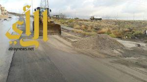 أمانة عسير: تستكمل أعمال إزالة تجمعات المياه من مخلفات بأحياء أبها