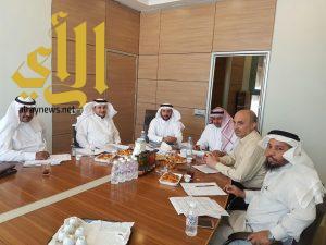 الخطط الدراسية وفق المعايير الأكاديمية على طاولة رؤساء أقسام اللغة العربية بجامعة الباحة