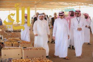 محافظ وادي الدواسر لمزارعي التمور: احرصوا على جودة المنتج