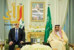 خادم الحرمين الشريفين يعقد جلسة مباحثات مع رئيس وزراء العراق
