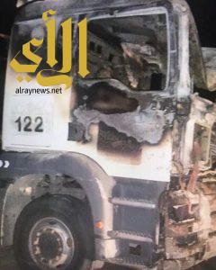 الميليشيات الحوثية تستهدف 3 شاحنات تحمل مساعدات للشعب اليمني بعبوة ناسفة