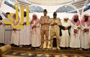 أداء صلاة الميت على شهيدي الواجب من منسوبي وزارة الحرس الوطني