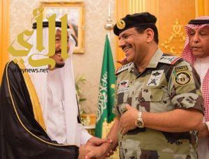 الملك سلمان يقلد قائدي قوات الطوارئ الخاصة وقوات الأمن الخاصة رتبتيهما الجديدتين